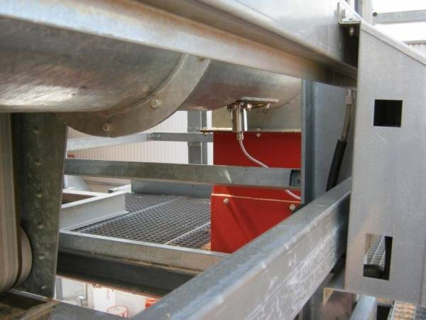 Moisture measurement to assure material quality